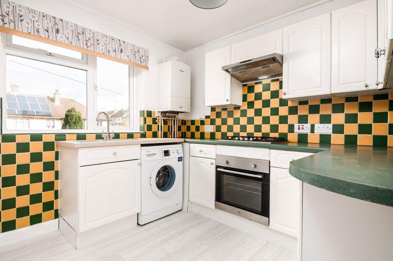 2 bed flat for sale in Maskelyne Avenue  - Property Image 2