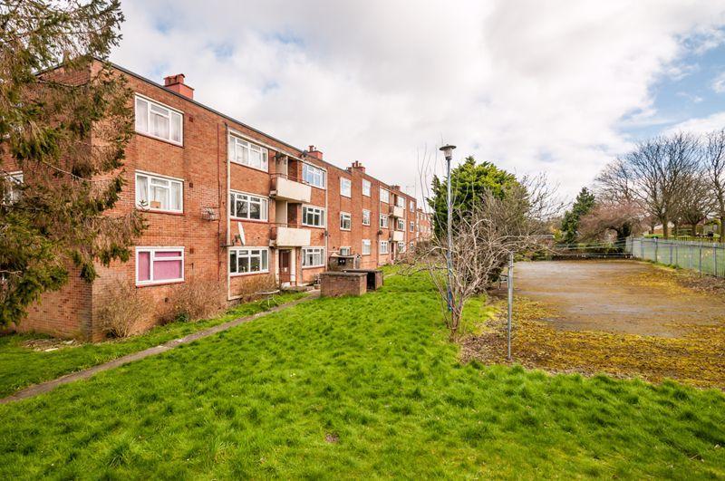 2 bed flat for sale in Maskelyne Avenue  - Property Image 12
