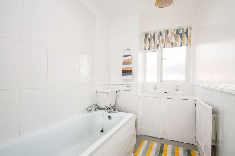 2 bed flat for sale in Maskelyne Avenue  - Property Image 4