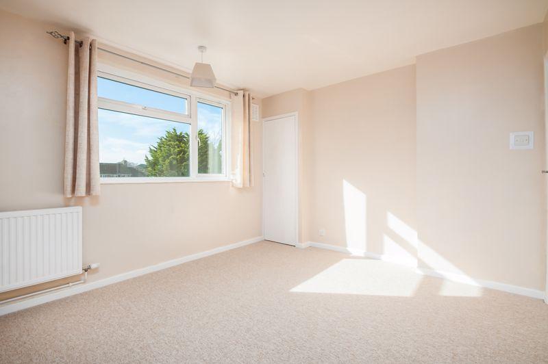 2 bed flat for sale in Maskelyne Avenue  - Property Image 5