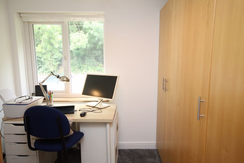 3 bed house to rent in South Hayes 11