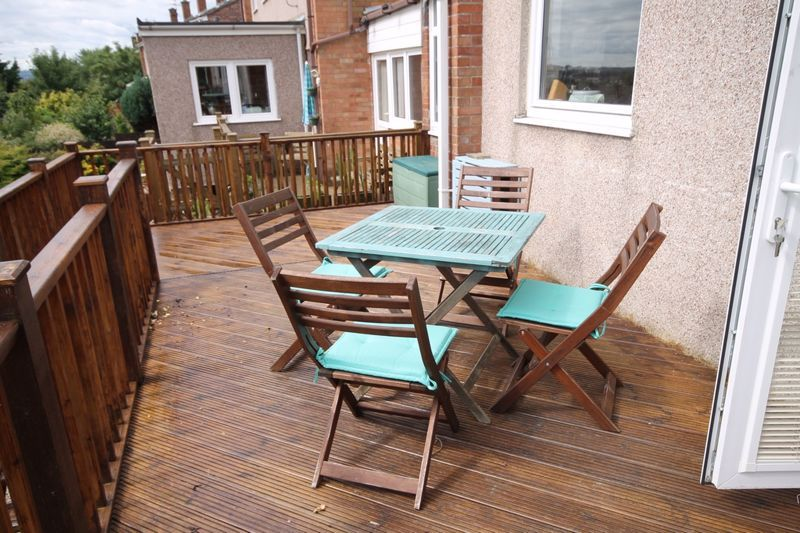3 bed house to rent in South Hayes 7