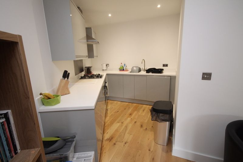 1 bed flat to rent in Balfour Road 2
