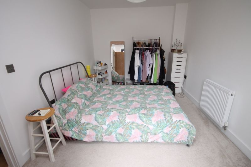 1 bed flat to rent in Balfour Road 4
