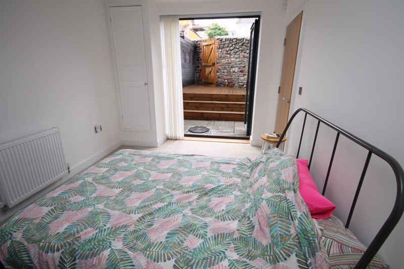 1 bed flat to rent in Balfour Road  - Property Image 5