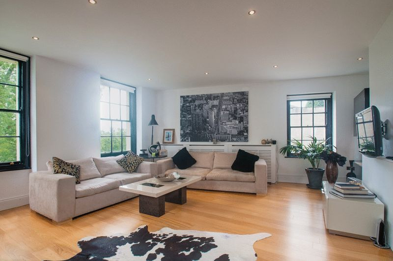2 bed flat for sale in Cornwallis Grove - Property Image 1