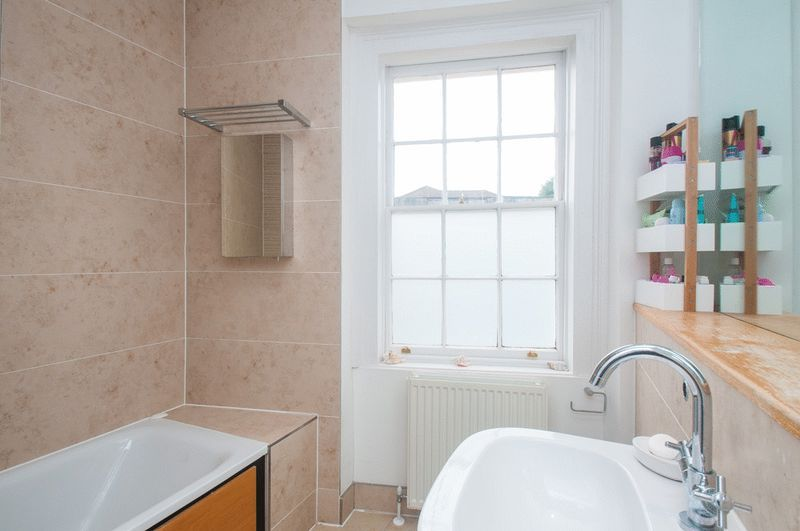 2 bed flat for sale in Cornwallis Grove  - Property Image 12