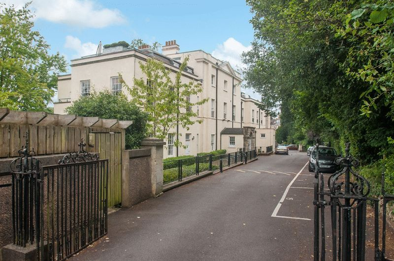 2 bed flat for sale in Cornwallis Grove  - Property Image 14
