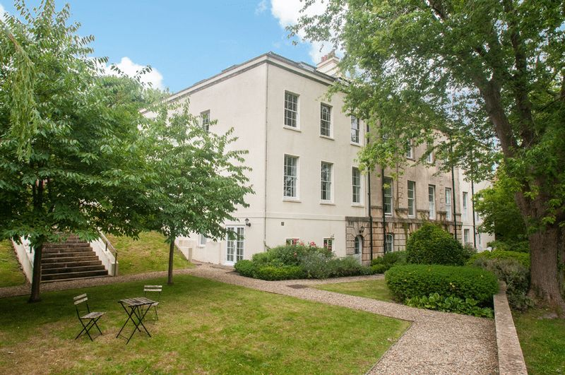 2 bed flat for sale in Cornwallis Grove  - Property Image 15