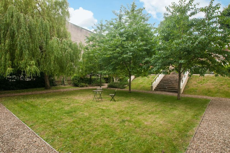 2 bed flat for sale in Cornwallis Grove  - Property Image 16