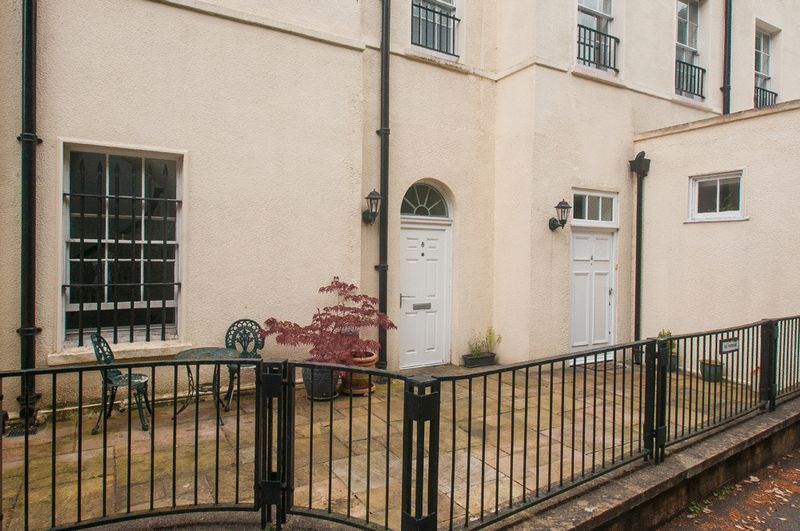 2 bed flat for sale in Cornwallis Grove  - Property Image 17