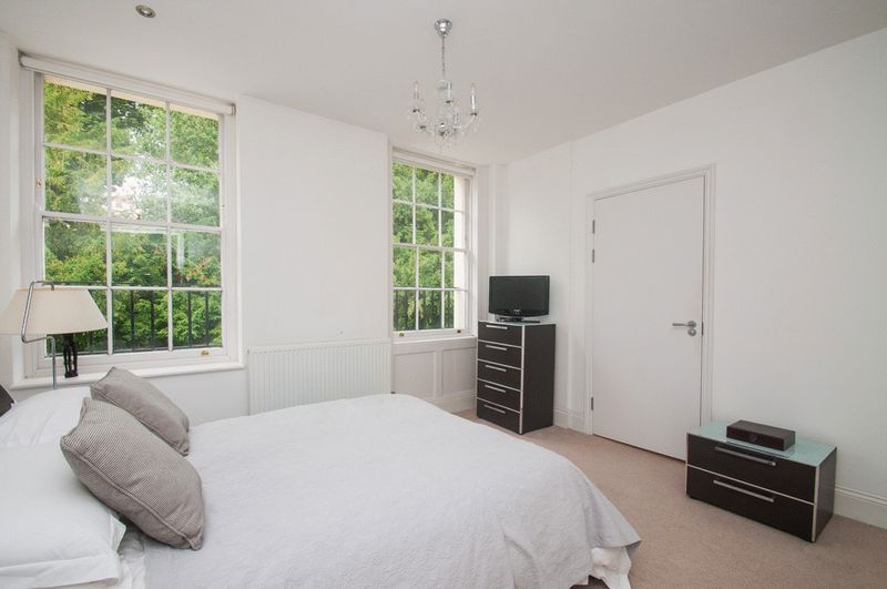 2 bed flat for sale in Cornwallis Grove  - Property Image 7