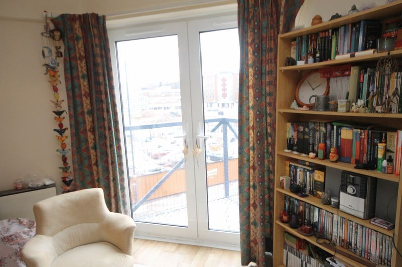 1 bed flat to rent in Ferry Street  - Property Image 2