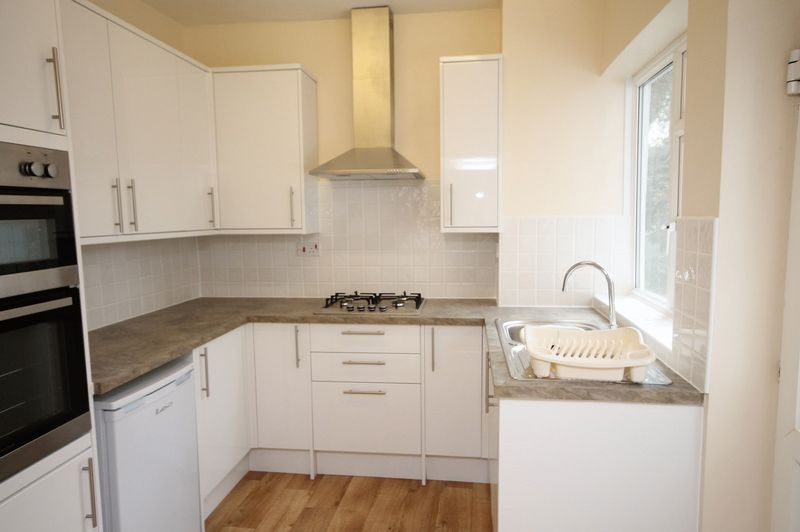 2 bed flat to rent in Hotwell Road 1