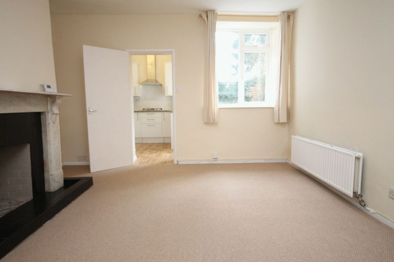 2 bed flat to rent in Hotwell Road 2