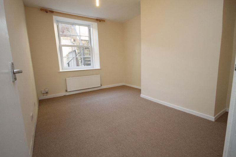 2 bed flat to rent in Hotwell Road 4