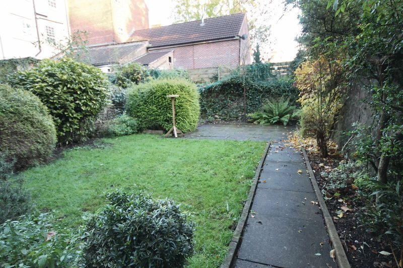 2 bed flat to rent in Hotwell Road 6