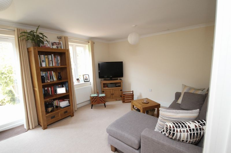 4 bed house to rent in Blackcurrant Drive 1