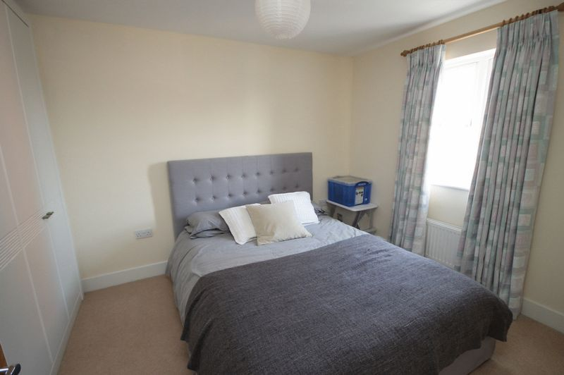 4 bed house to rent in Blackcurrant Drive 4