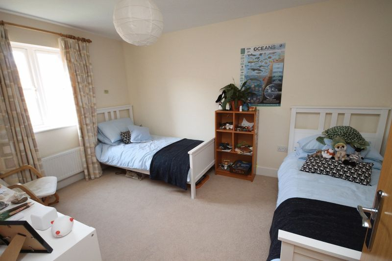 4 bed house to rent in Blackcurrant Drive 5