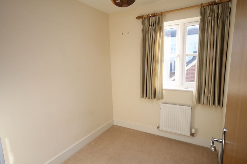 4 bed house to rent in Blackcurrant Drive 6