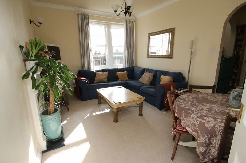 2 bed flat to rent in Apsley Road, BS8
