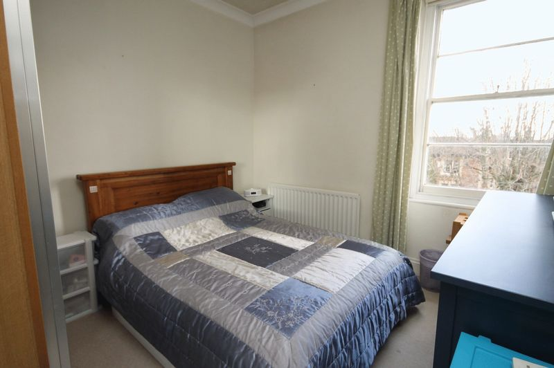 2 bed flat to rent in Apsley Road 3