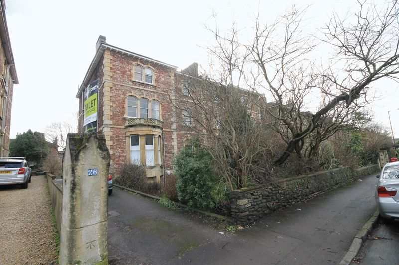 2 bed flat to rent in Apsley Road 5