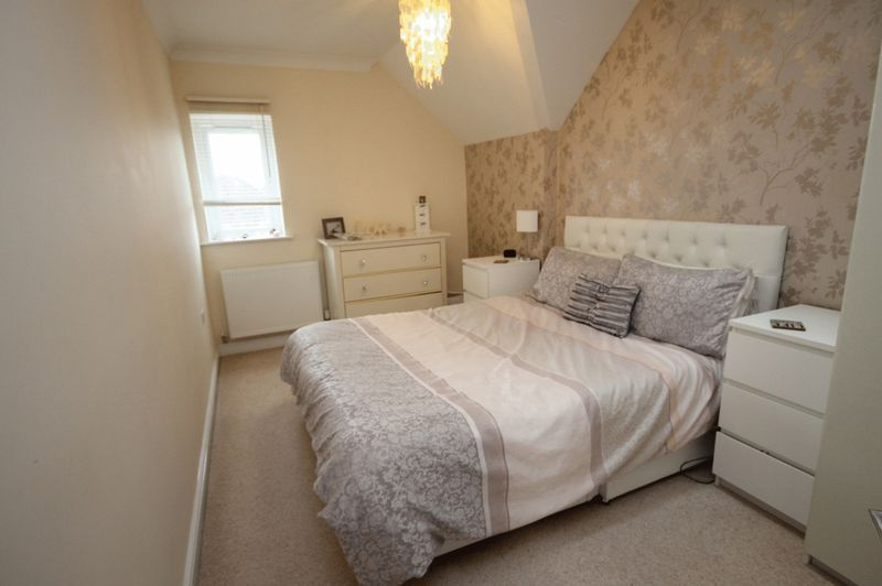 2 bed flat to rent in The Old Orchard 4