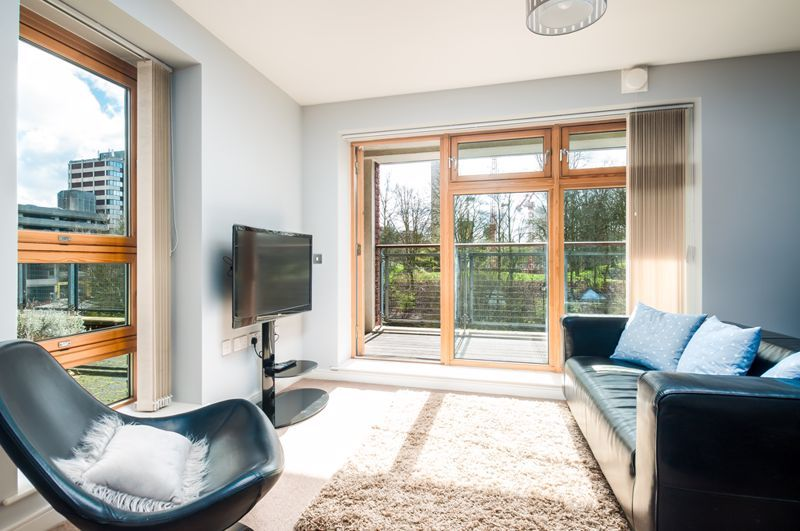2 bed flat to rent in Broad Weir  - Property Image 1