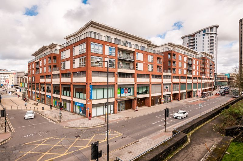 2 bed flat to rent in Broad Weir  - Property Image 16