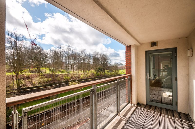 2 bed flat to rent in Broad Weir  - Property Image 10