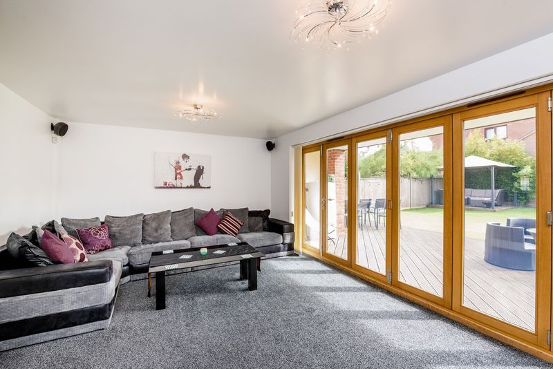 3 bed house for sale in Fallodon Way  - Property Image 1