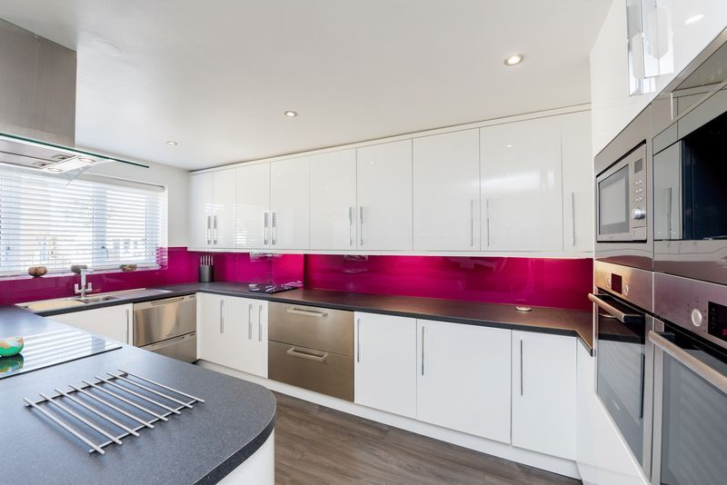 3 bed house for sale in Fallodon Way 3