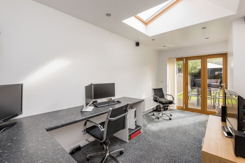 3 bed house for sale in Fallodon Way  - Property Image 6