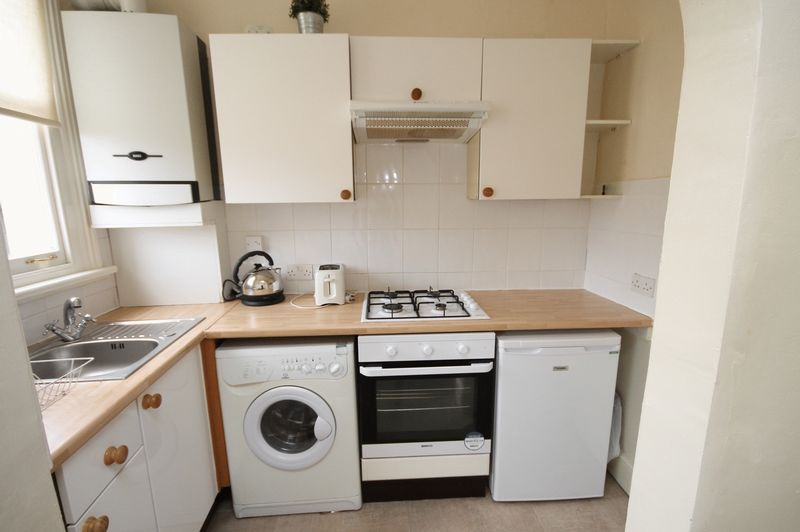 1 bed flat to rent in Pembroke Road 4
