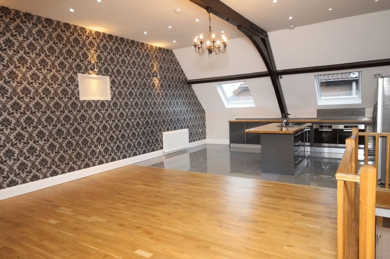 5 bed house to rent in Salisbury Road 1