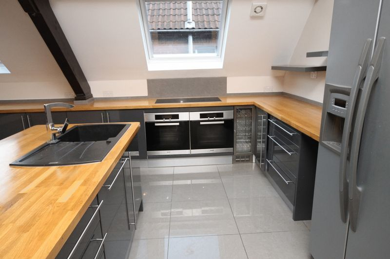 5 bed house to rent in Salisbury Road  - Property Image 2