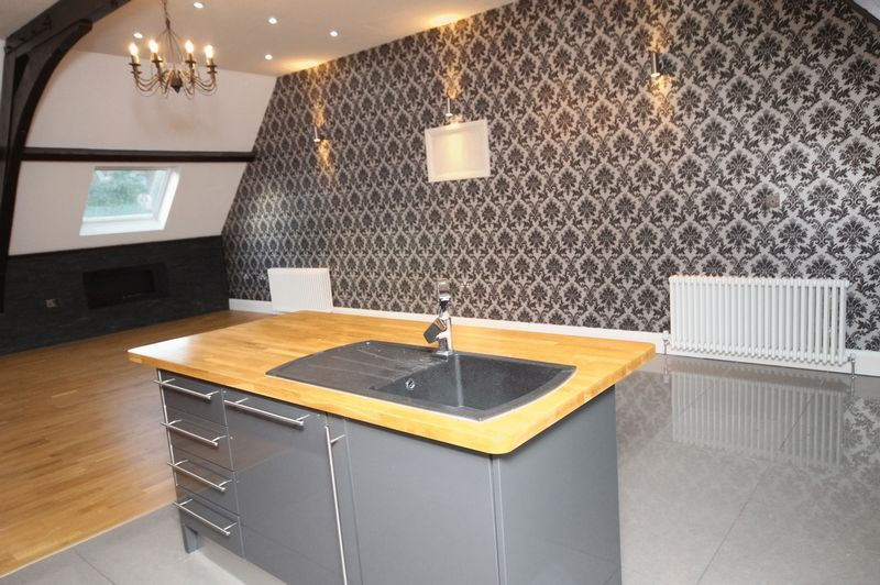 5 bed house to rent in Salisbury Road 3