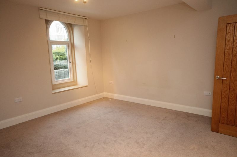 5 bed house to rent in Salisbury Road 5