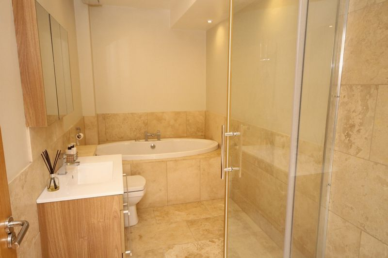 5 bed house to rent in Salisbury Road  - Property Image 10