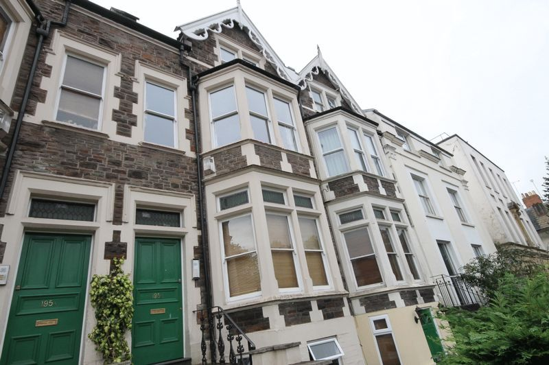 1 bed flat for sale in Cheltenham Road 5