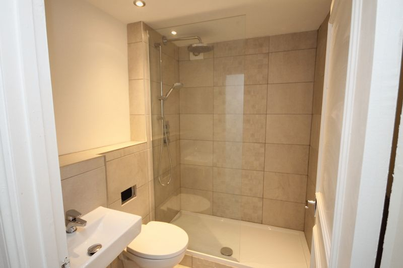 1 bed flat to rent in Princess Victoria Street 5