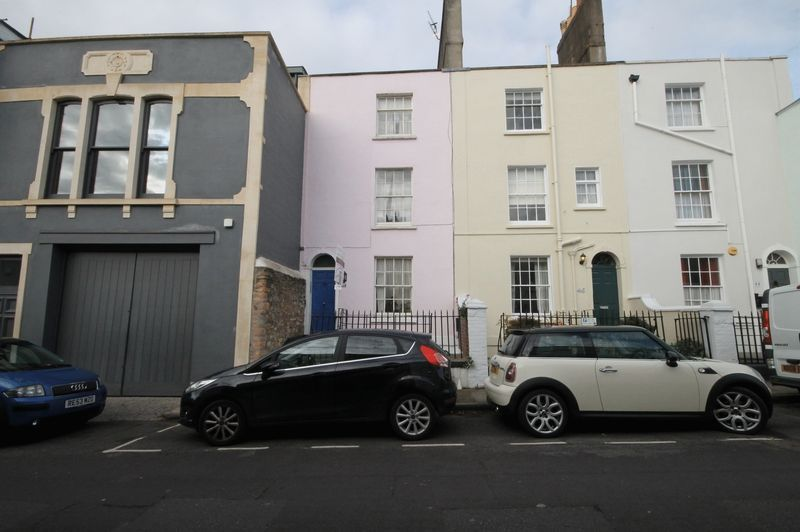 1 bed flat to rent in Princess Victoria Street 7