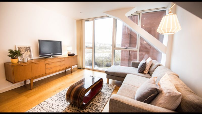 1 bed flat to rent in Skypark Road 1