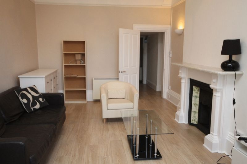 1 bed flat to rent in Clifton Park Road 2