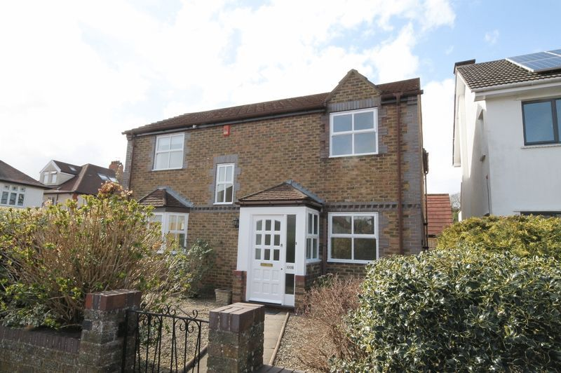 4 bed house to rent in Reedley Road 1