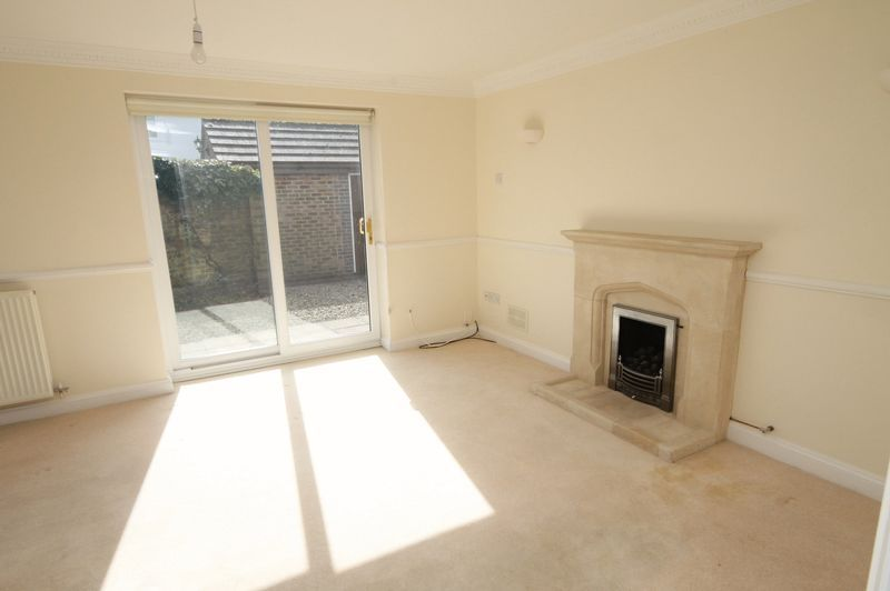 4 bed house to rent in Reedley Road  - Property Image 2