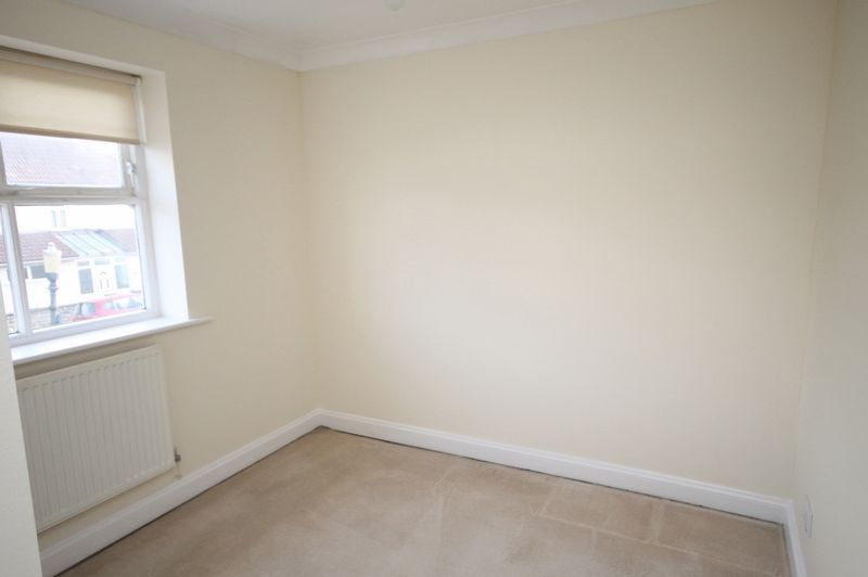4 bed house to rent in Reedley Road 11