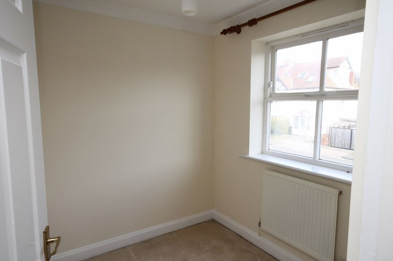 4 bed house to rent in Reedley Road 12